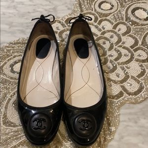 Authentic: Patent Leather CC round toe flats